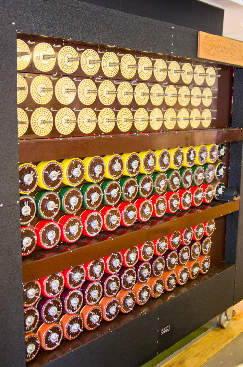 ../../../_images/Bletchley_Park_Bombe_small.jpg