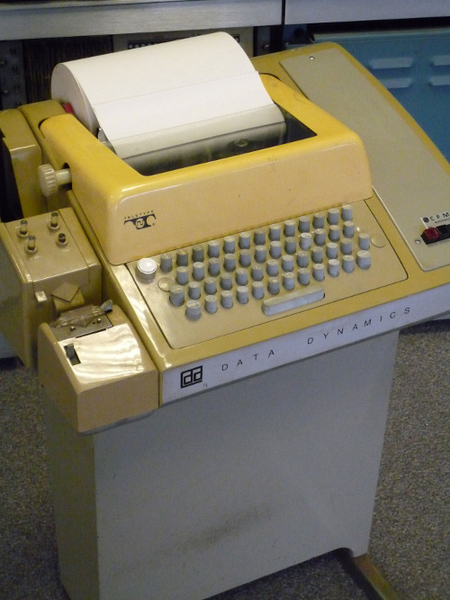 ../../../_images/Teletype_with_papertape_punch_and_reader_small.jpg