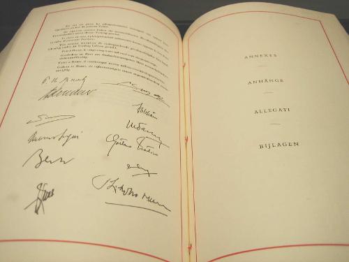 ../../../_images/rome_signatures.jpg